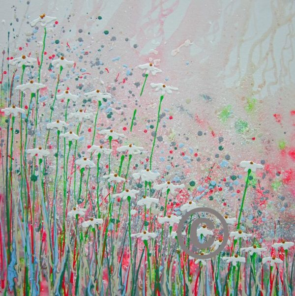 """2286 Daisy Sparkle (with glitter and bee) 30x30"""""""